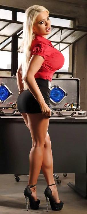 Alexis may big breast beauty hardplay - 1 2