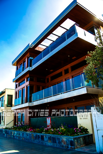 Manhattan Beach Home Copyright 2014 BeachCitiesPhotography.com